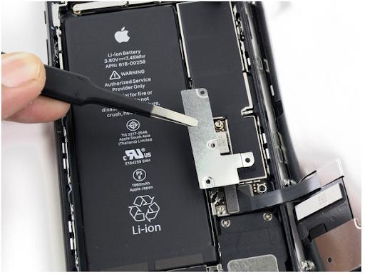 Thay pin iPhone 7 Plus dung lượng cao pisen chính hãng
