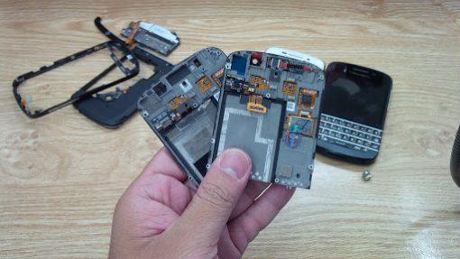 Thay màn hình cảm ứng BlackBerry Q10 uy tín chất lượng