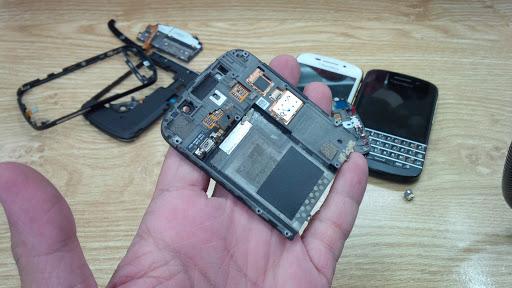 Thay màn hình cảm ứng BlackBerry Q10 hàng chính hãng giá tốt