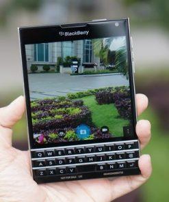 thay mặt kính cảm ứng Blackberry Passport chính hãng